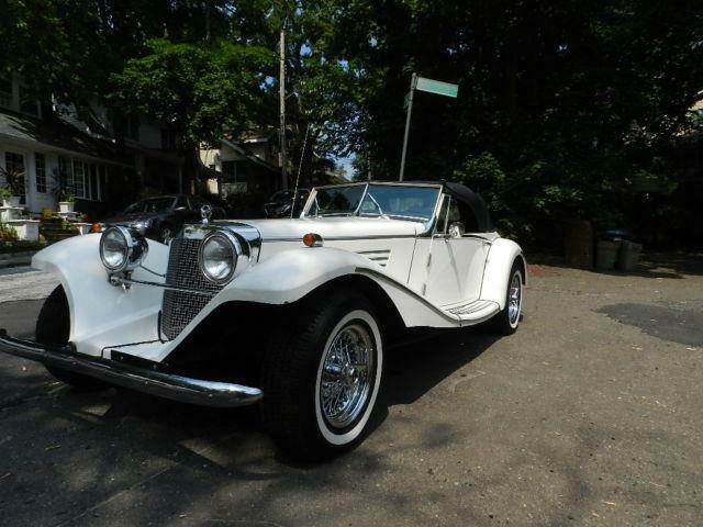 clean 1936 Mercedes Benz Marlene replica