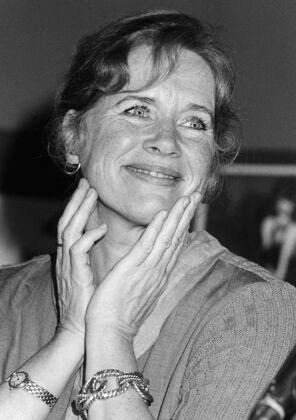 Lois Siegel - Liv Ullmann