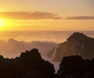 Crashing Waves - Richard Bacsa