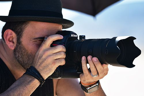 Nikon D850 in Hands