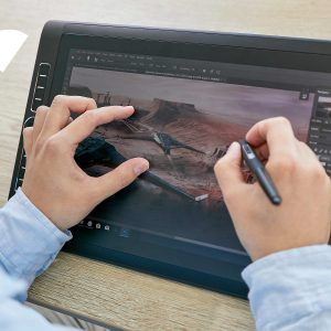 MobileStudio Pro 16 control with multi-touch finger gestures