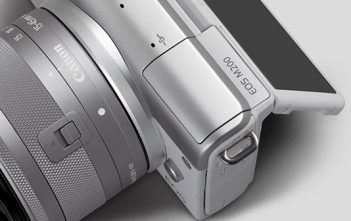 Canon EOS M200 Mirrorless Camera Cover