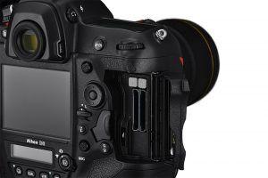 Nikon D6 Dual Card Slots