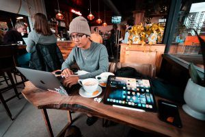 Working Remotely - Work from a cafe