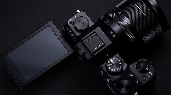 Fujifilm announces X-S10 hybrid mirrorless camera
