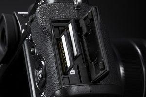 FujiFilm X-T2 Dual SD Slots