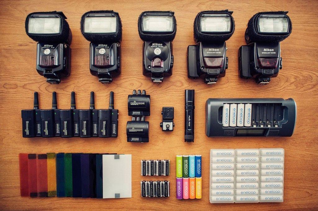 Nikon SB-800, Radio JrX, AA batteries.