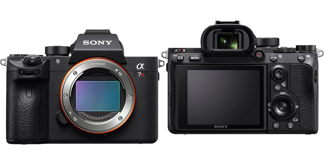 Sony a7R III front and back