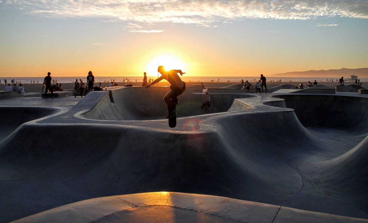 image of skateboarders