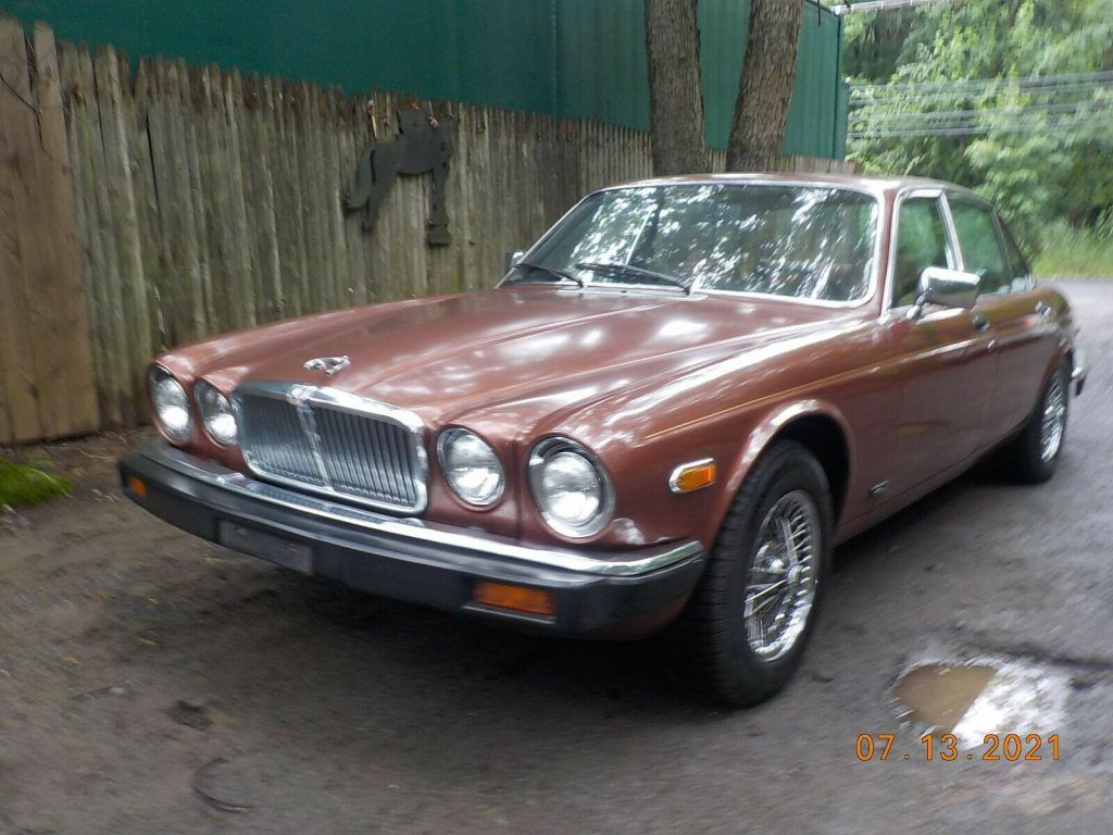 1981 Jaguar XJ6 WITH THE Chevy 350 Engine VERY FAST