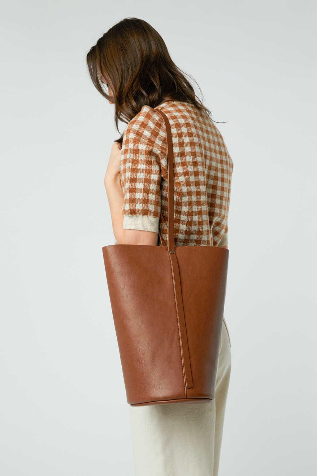 Bucket Bag 3350 Brown 8