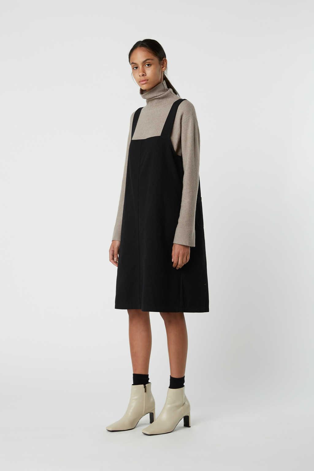 Dress J009 Black 2