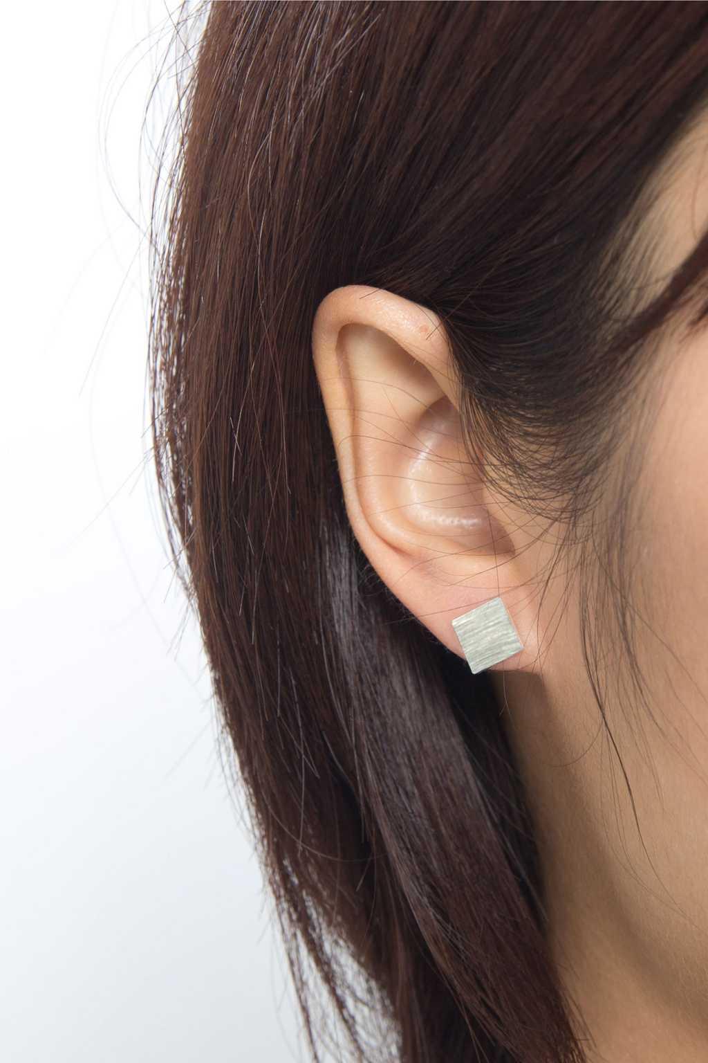 Earring H038 Silver 2