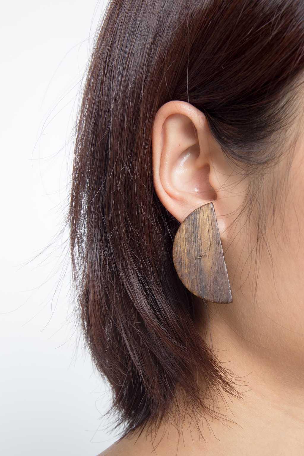 Earring H051 Brown 2