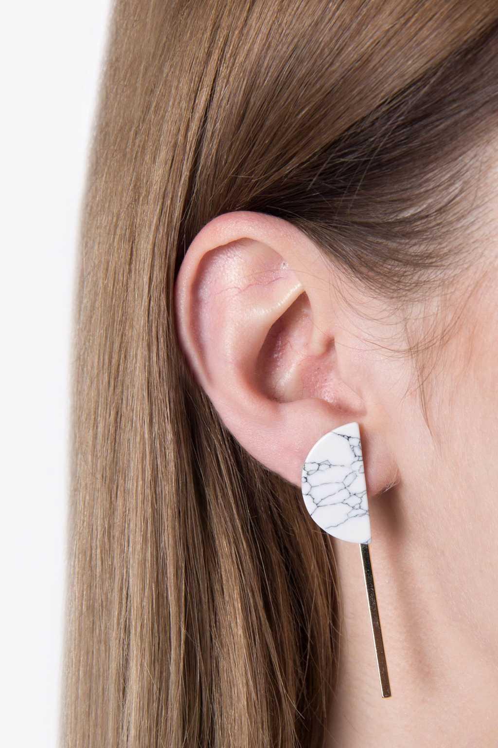 Earring H072 White 2