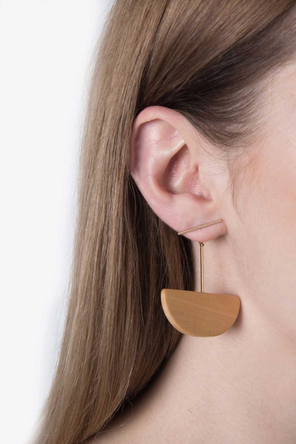 Earring H074 Beige 2