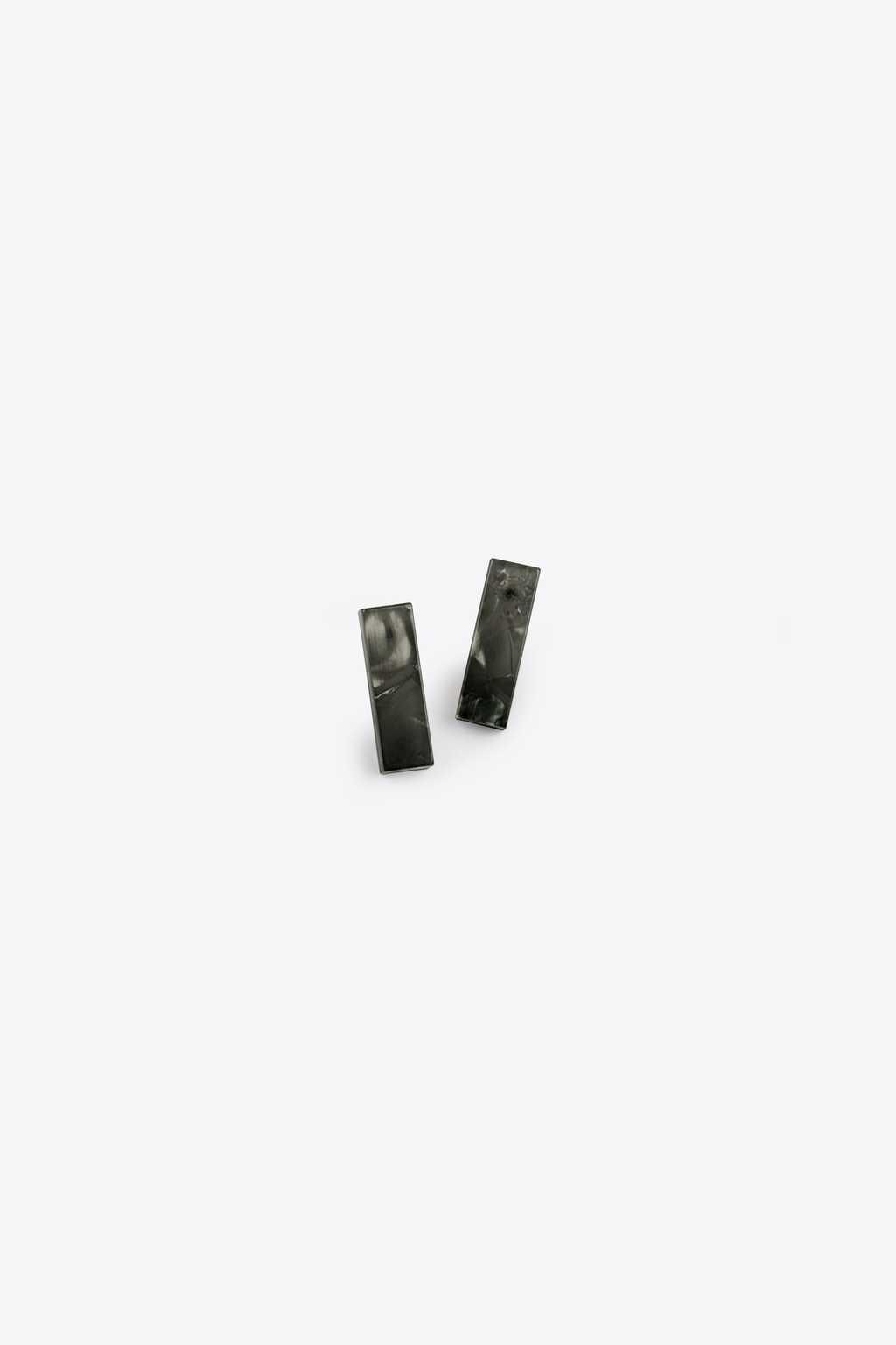 Earring H120 Black 1