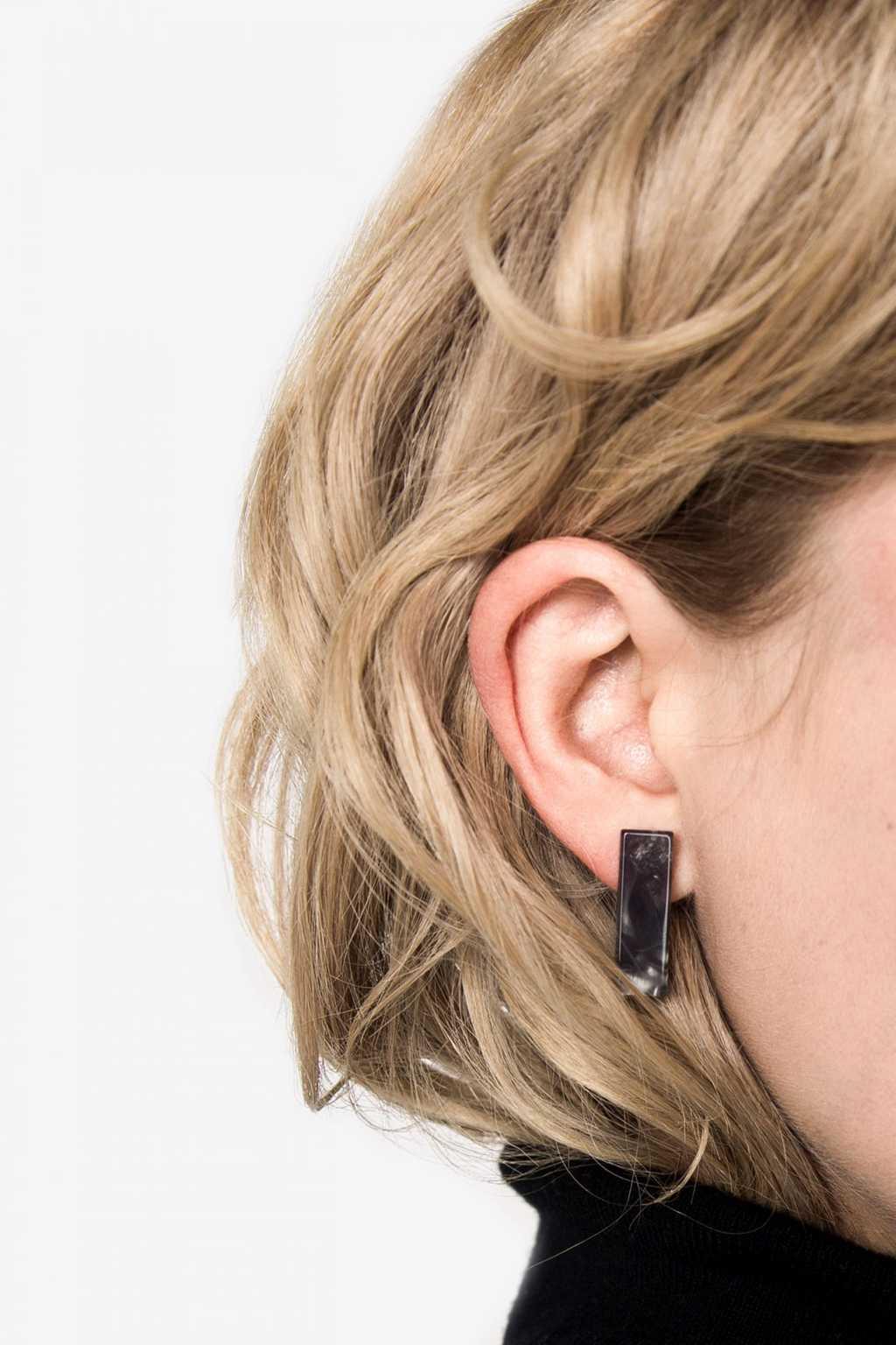 Earring H120 Black 2