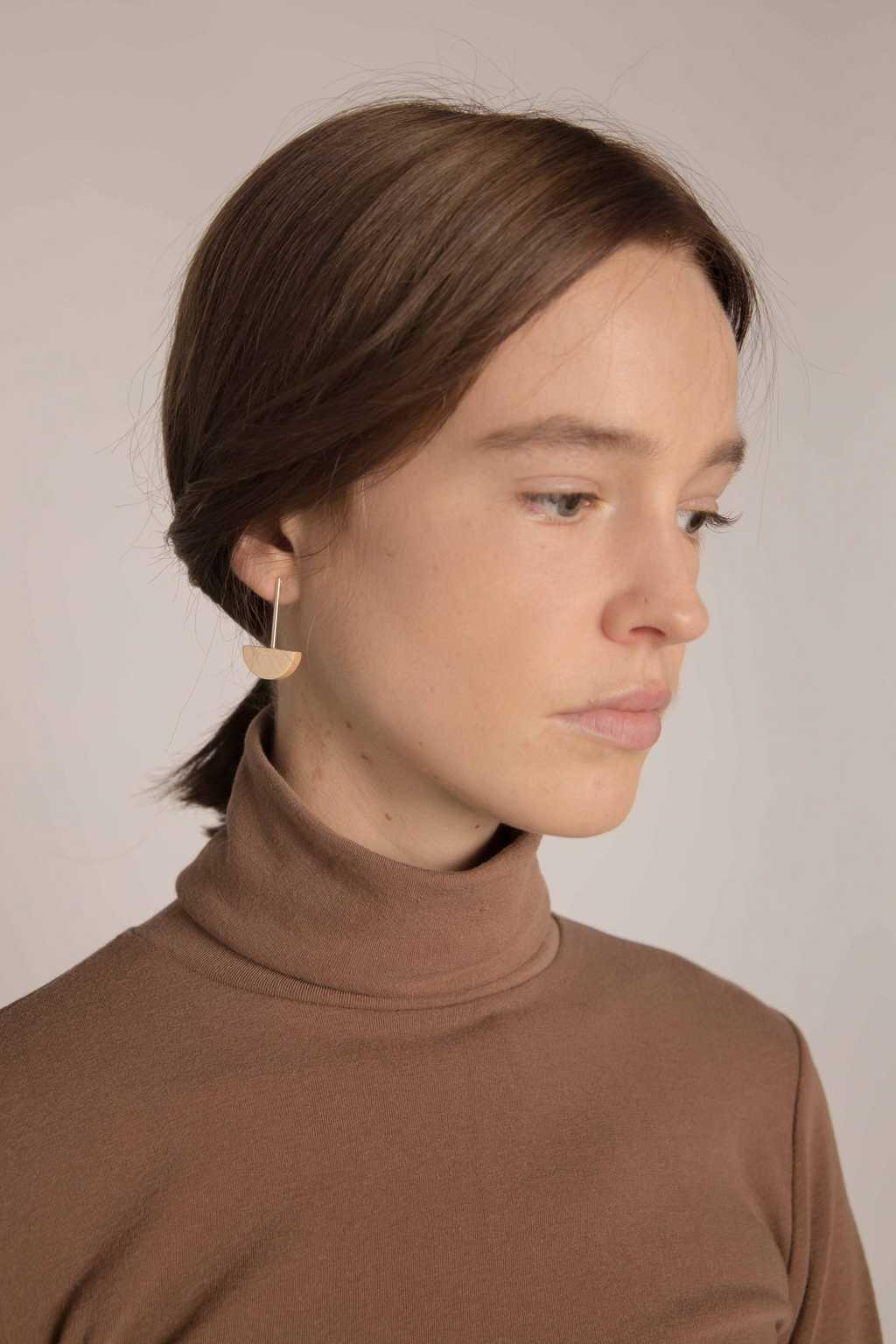 Earring H238 Brown 2