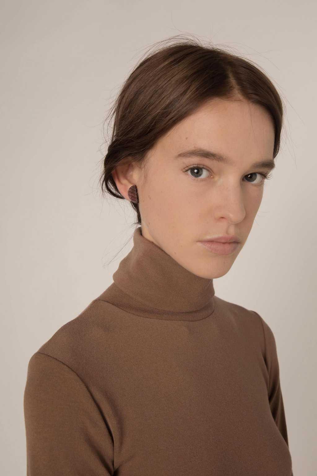 Earring H238 Brown 3