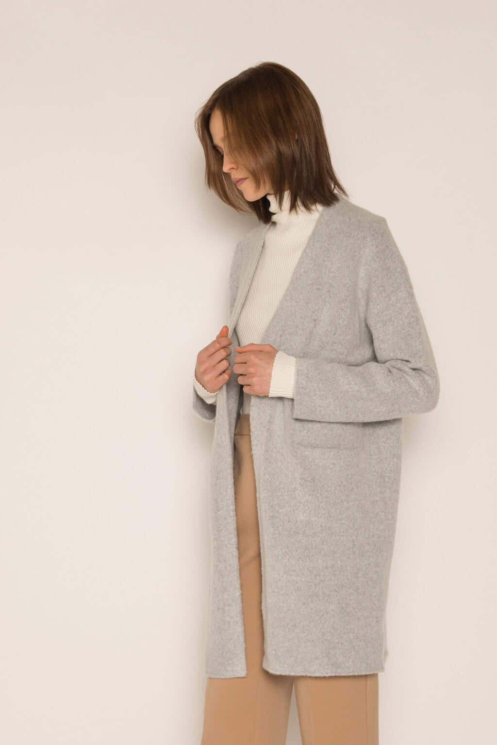 Feather Cardigan 1550 Gray 2