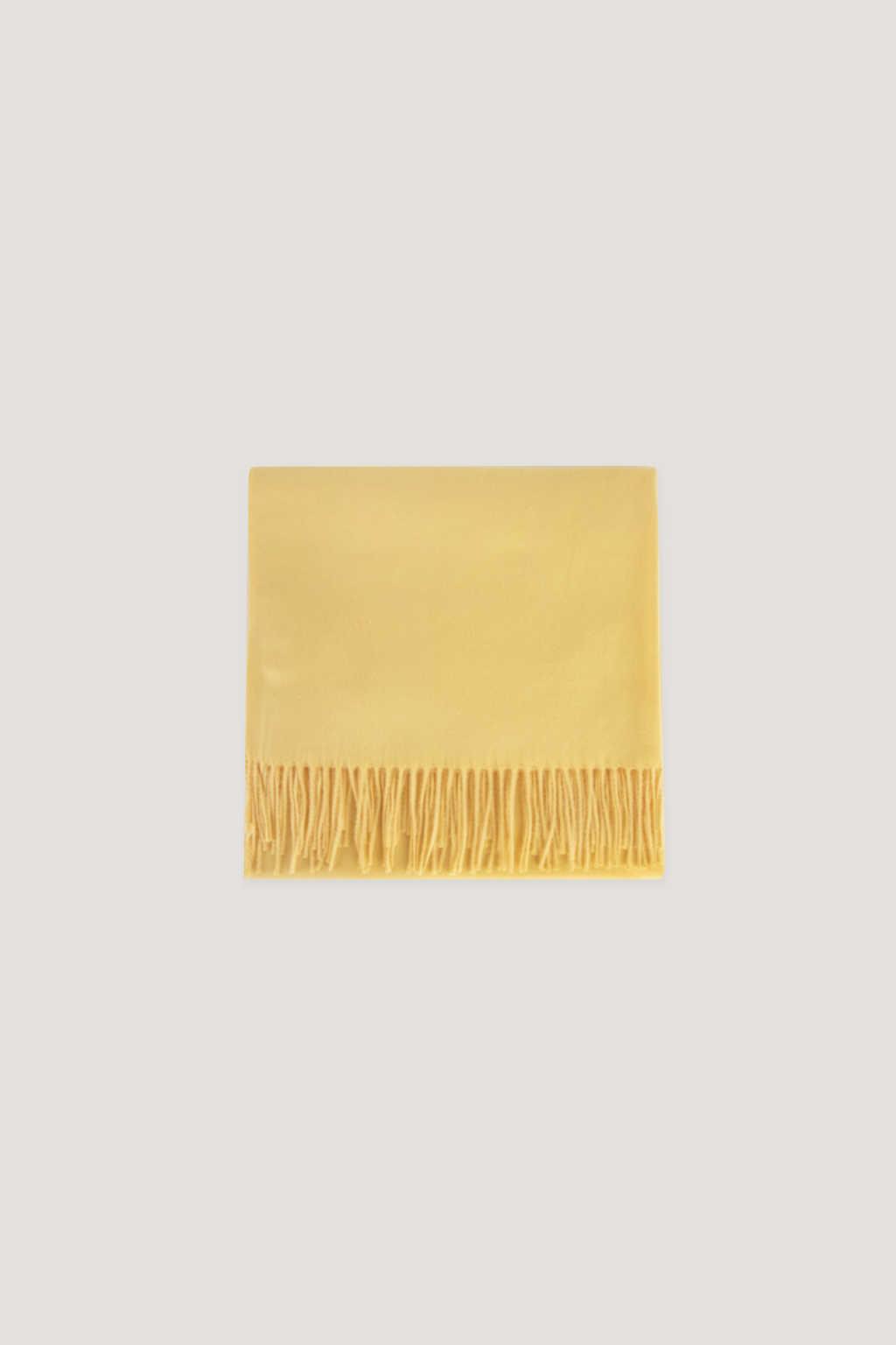 Scarf J001 Yellow 17