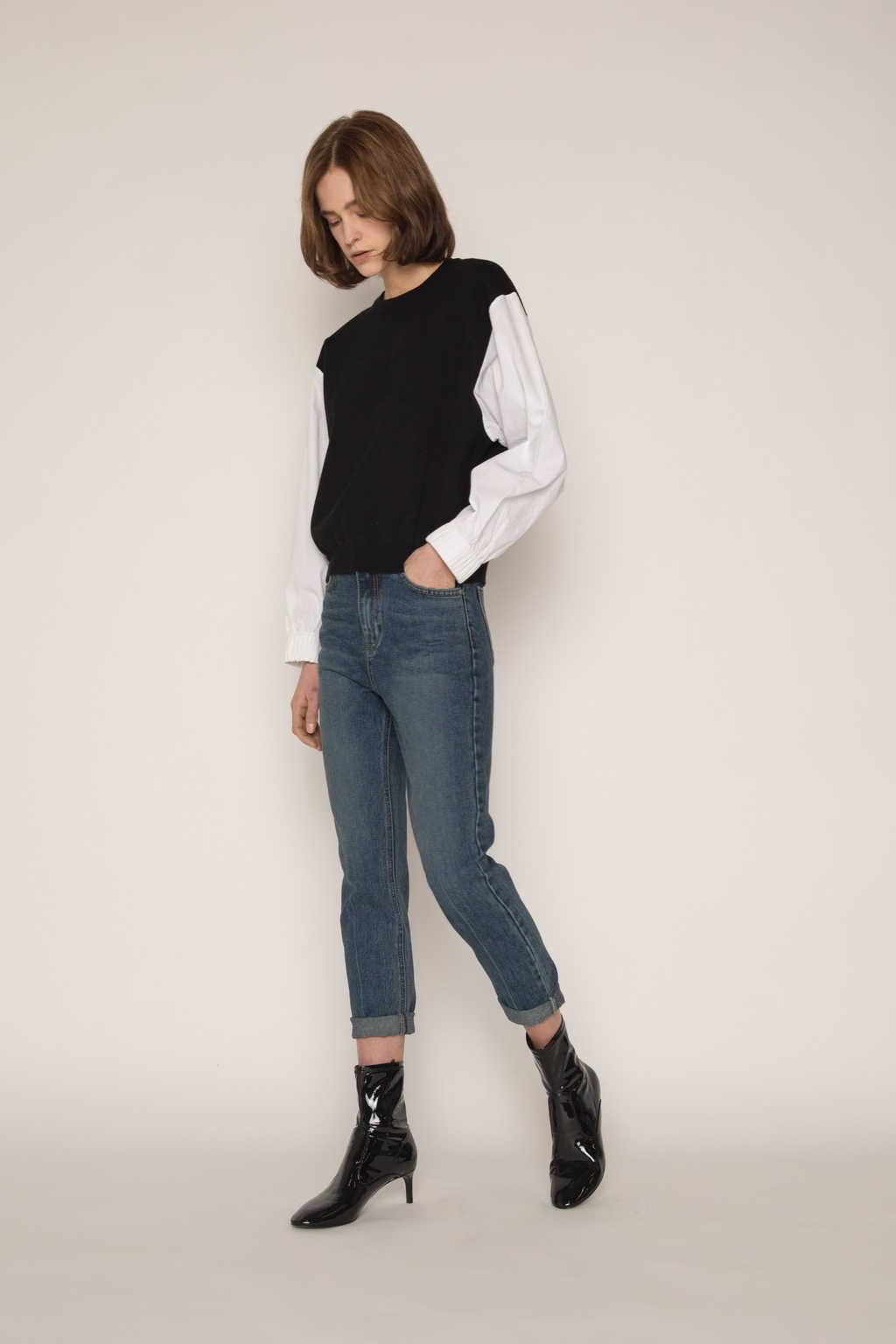 Sweater 2300 Black 2