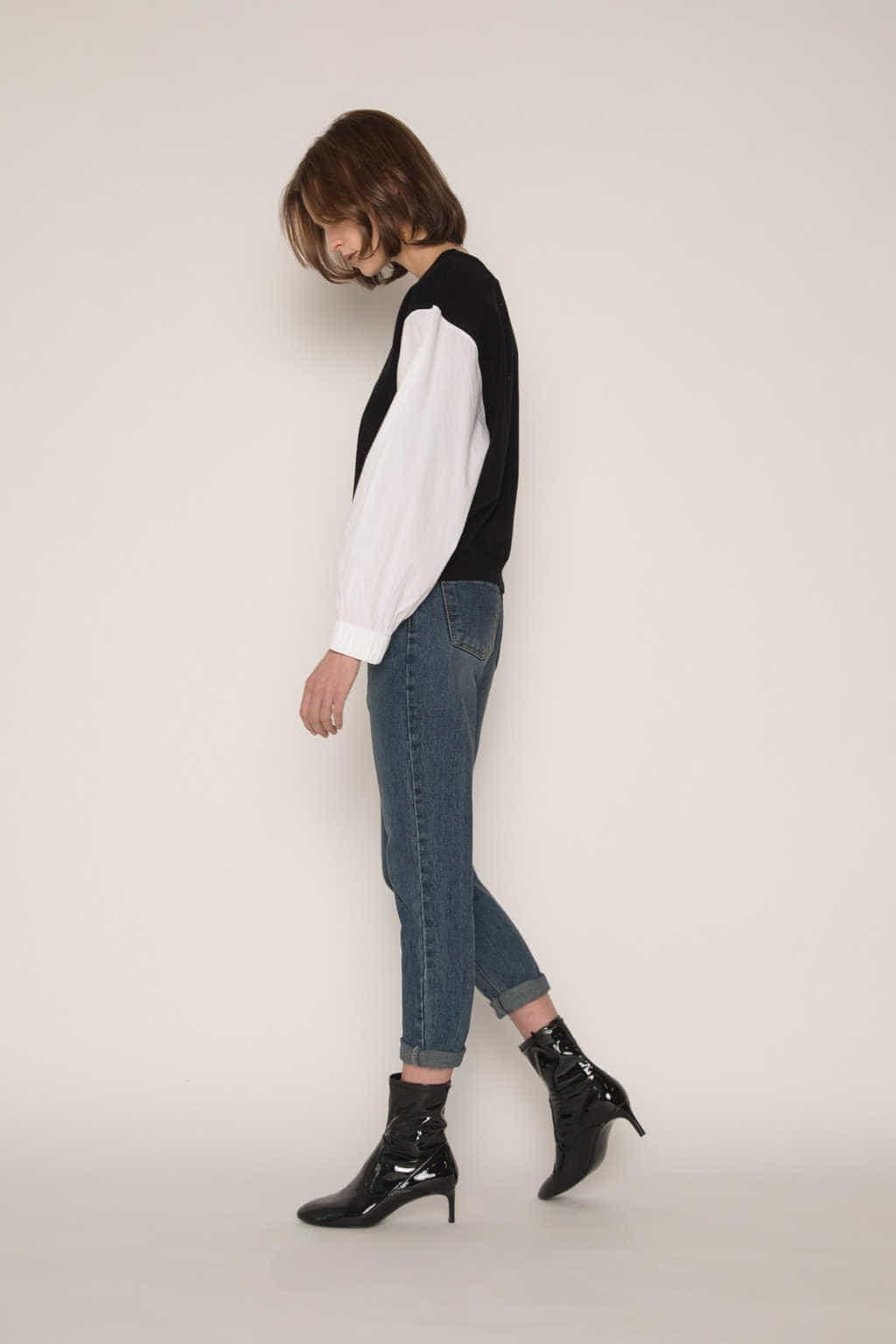 Sweater 2300 Black 3