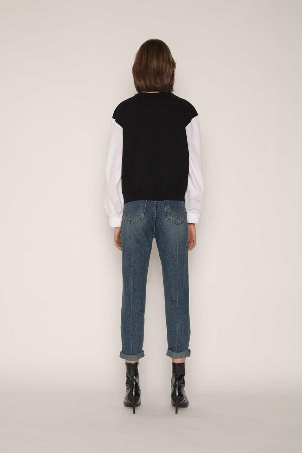Sweater 2300 Black 4