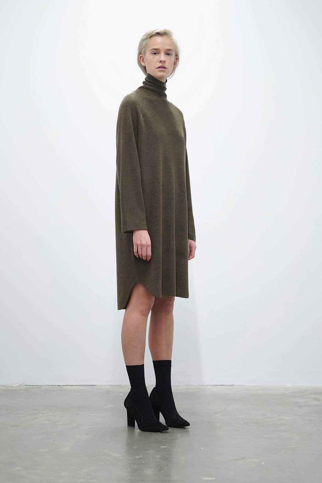 Sweater 7207 Olive 1