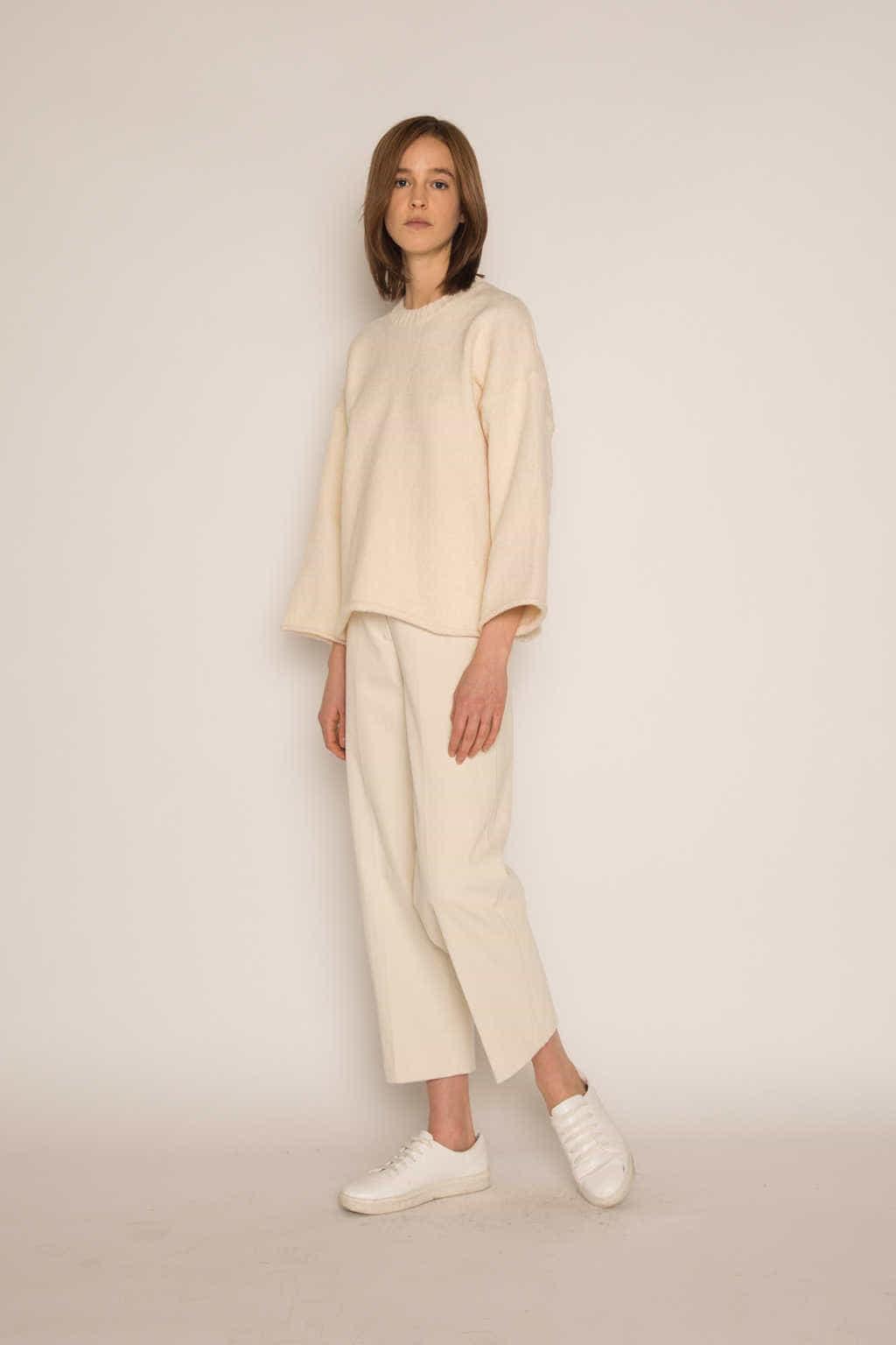 Sweater H062 Cream 3
