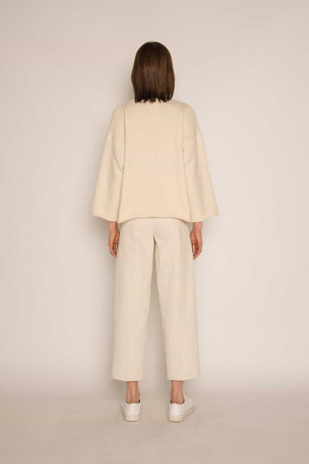 Sweater H062 Cream 4