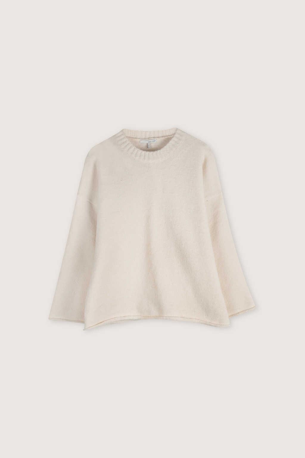Sweater H062 Cream 5