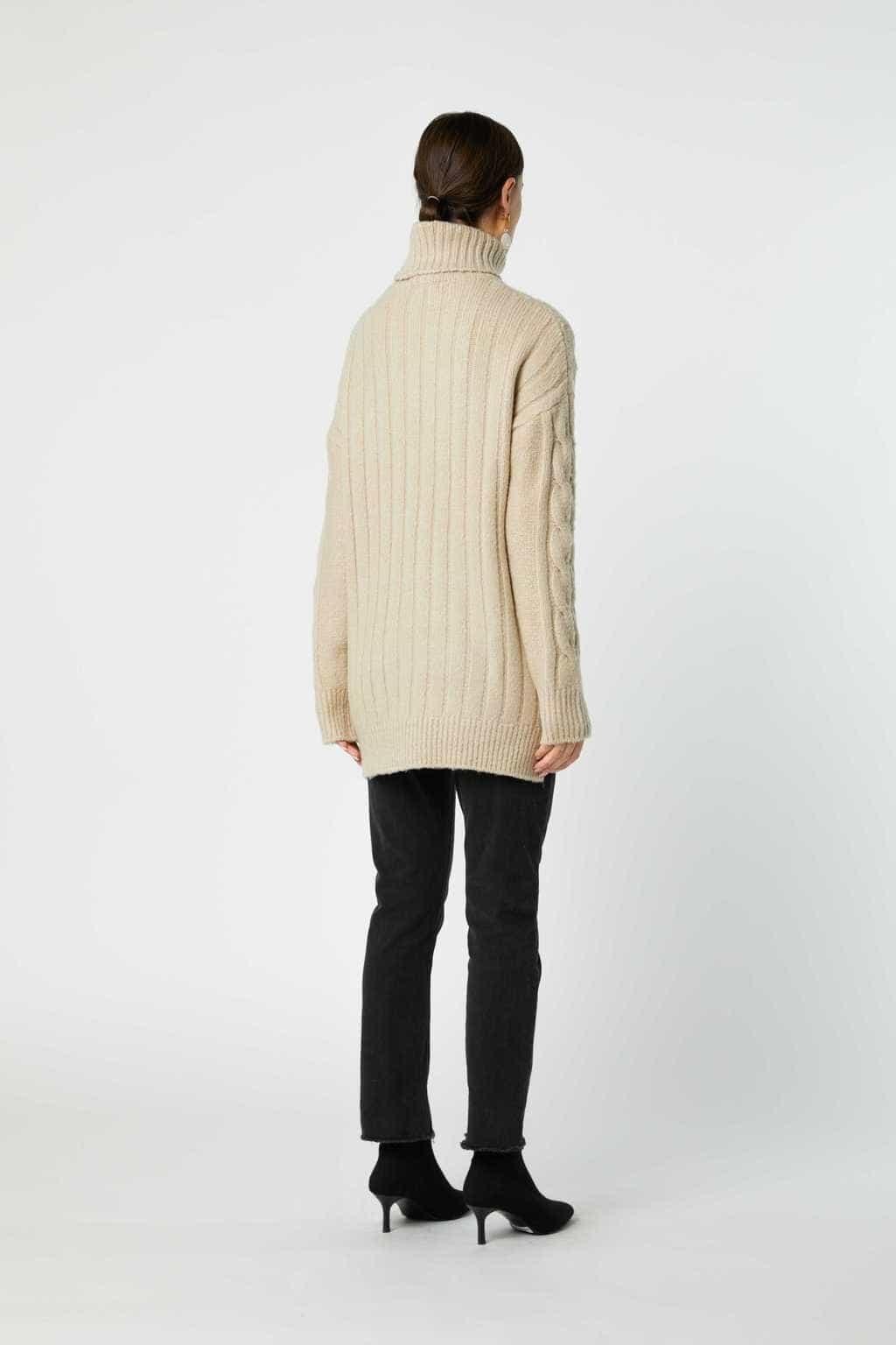 Sweater J019 Cream 4