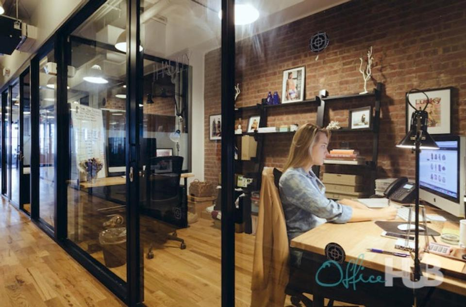 7 Person Private Office For Lease At Jl. Jend. Sudirman, Senayan, South Jakarta, 12190 - image 1