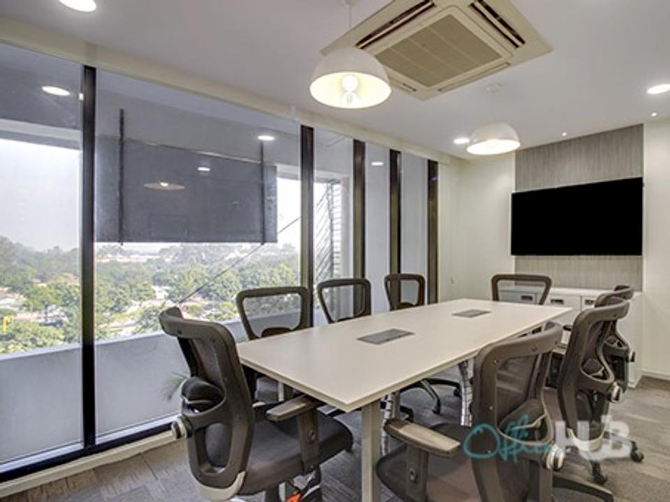 5 Person Private Office For Lease At 8 Avenue 10, Jalan Kerinchi, Kuala Lumpur, 59200 - image 2