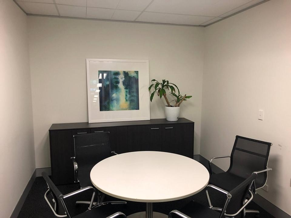 10 Person Sublet Office For Lease At 28 Margaret Street, Sydney, NSW, 2000 - image 2