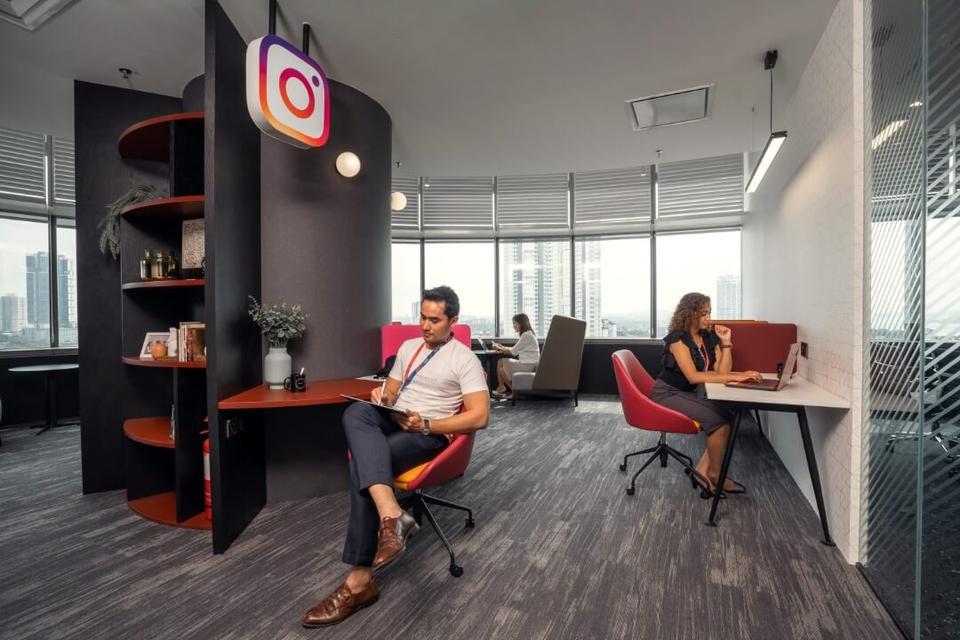 2 Person Private Office For Lease At Menara JLand, Johor Bahru City Centre, Jalan Tun Abdul Razak,, Johor Bahru, Johor, 80000 - image 3