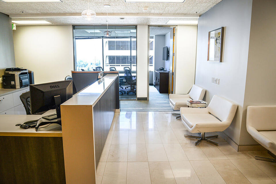 5 Person Private Office For Lease At 15260 Ventura Blvd., Sherman Oaks, CA, 91403 - image 2