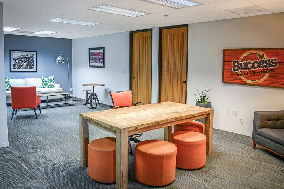 1 Person Coworking Office For Lease At 1541 Ocean Ave., Santa Monica, CA, 90401 - image 2