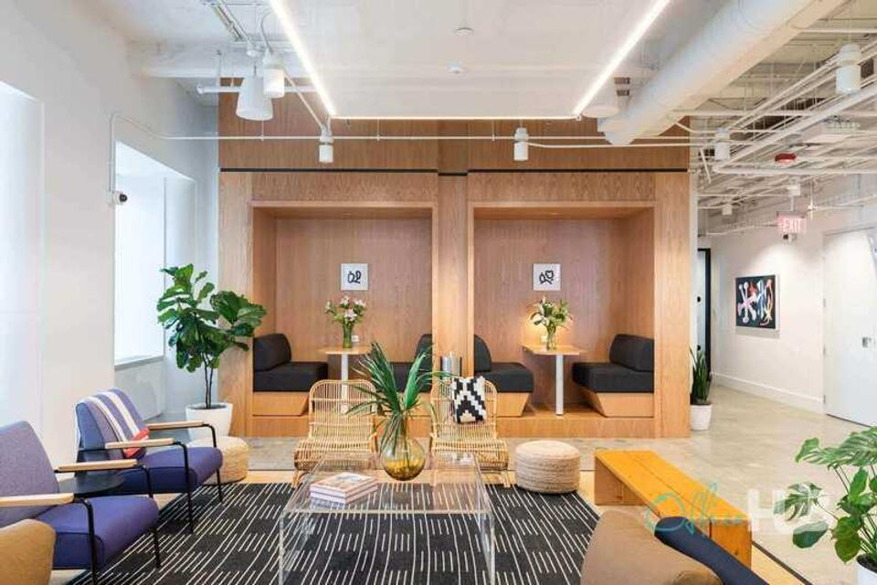 1 Person Coworking Office For Lease At 200 Berkeley Street, Boston, MA, 2116 - image 2