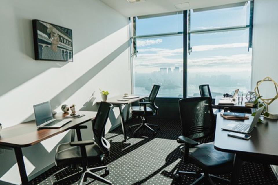 1 Person Casual Office For Lease At 100 Barangaroo Avenue, Sydney, NSW, 2000 - image 1