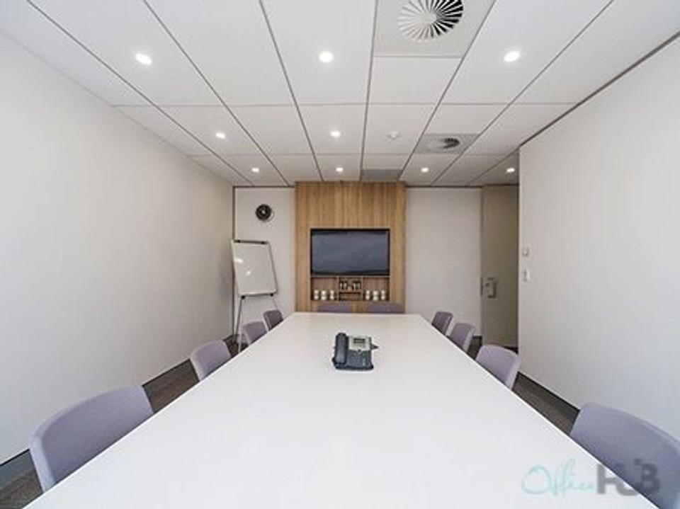 6 Person Private Office For Lease At 10 Arrivals Court, Mascot, NSW, 2020 - image 2