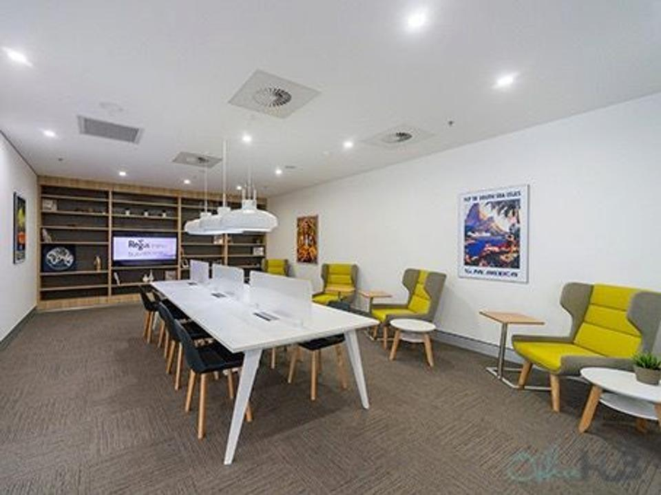 6 Person Private Office For Lease At 10 Arrivals Court, Mascot, NSW, 2020 - image 1