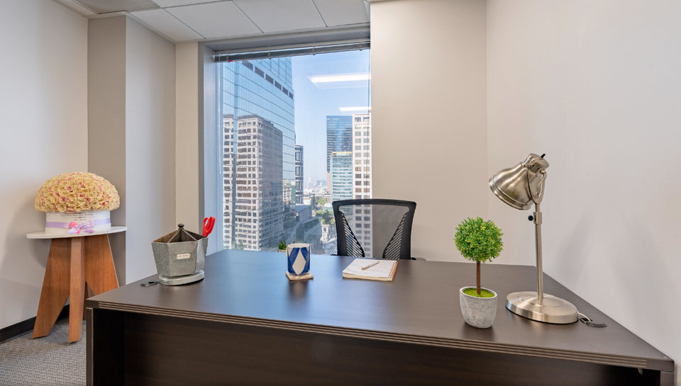 Office space for lease in 811 Wilshire Boulevard, Los Angeles Los Angeles - image 3