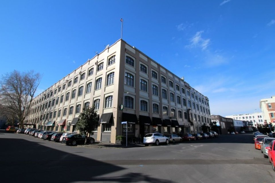 Office space for lease in Textile Centre Parnell - image 1