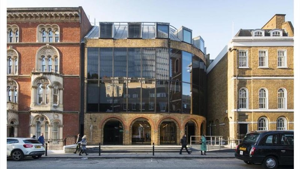 Office space for lease in Runway East London Bridge London - image 1