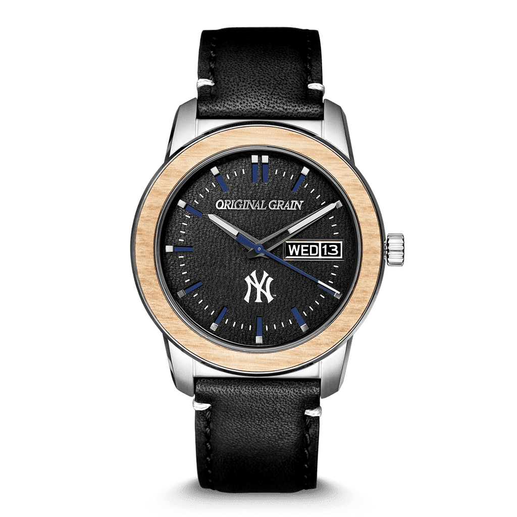 Front of NY Yankees MLB Reclaimed 42mm - Leather Dial