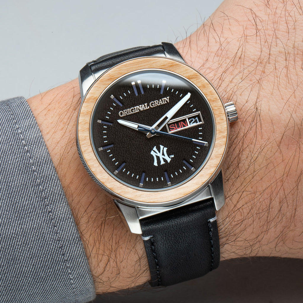 NY Yankees MLB Reclaimed 42mm - Leather Dial