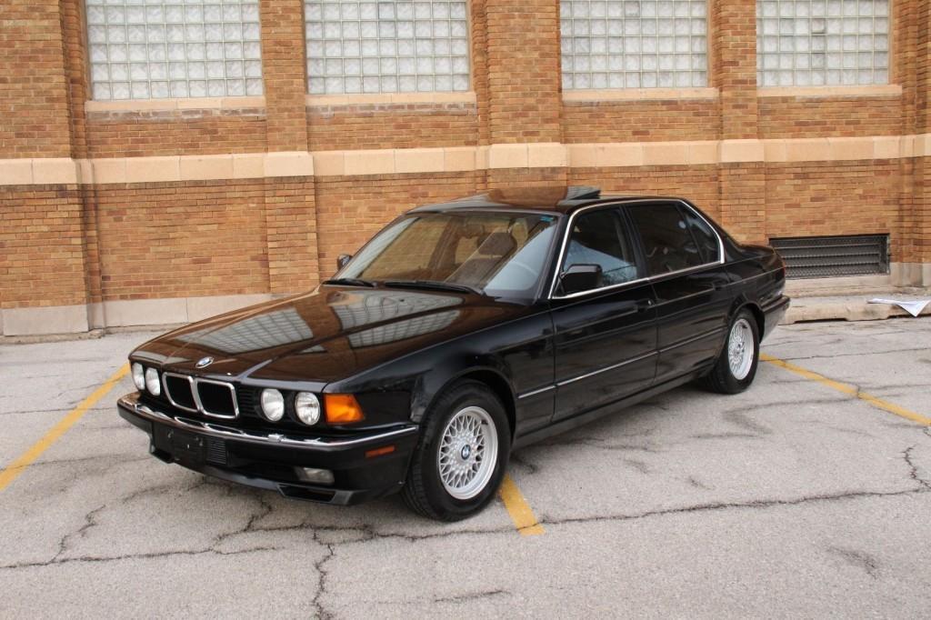 1992 BMW 750il V12 Sedan